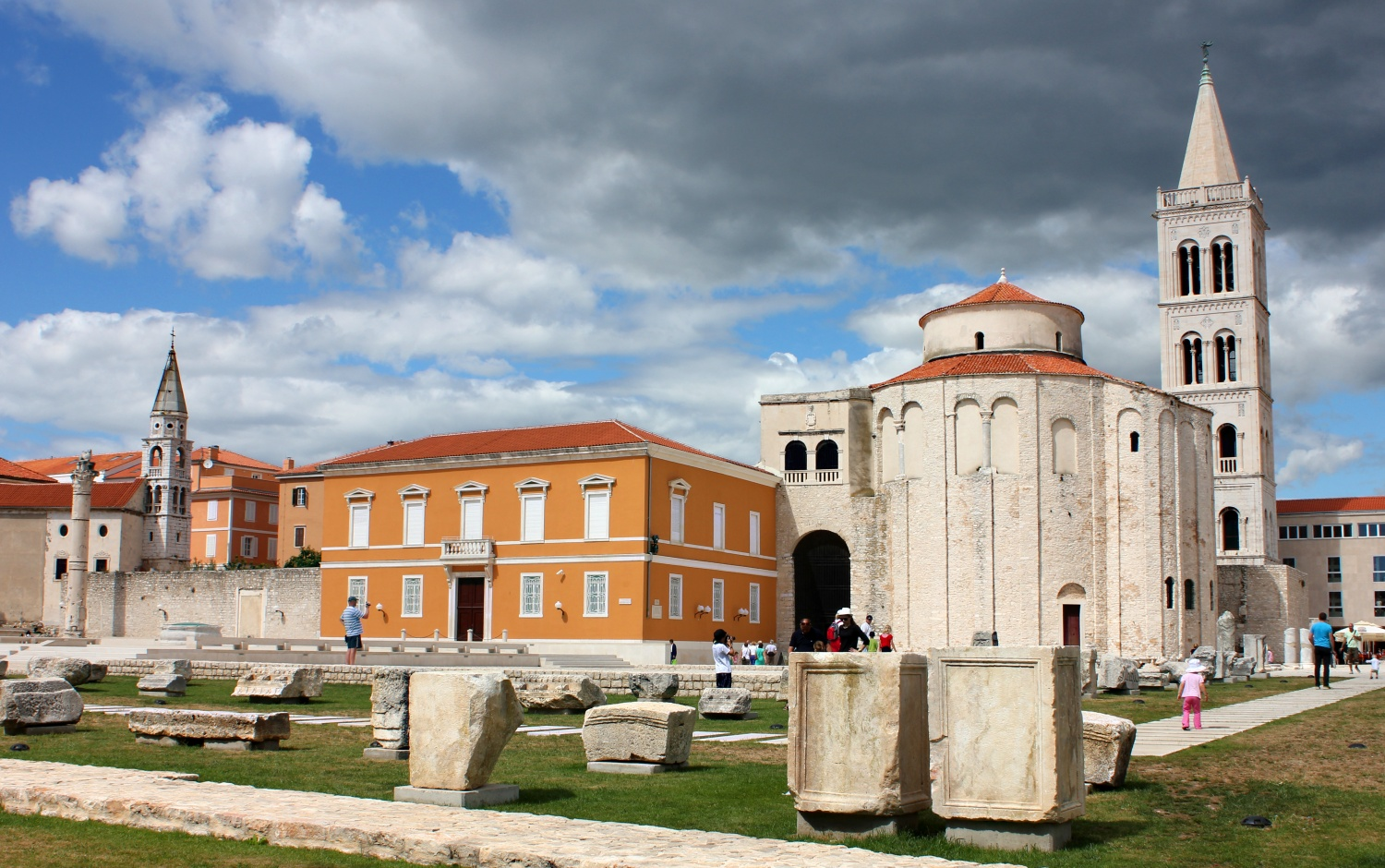 3.Roman Forum, St Donatus' Church and the Belltower of St Anastasia's Cathedral in Zadar
